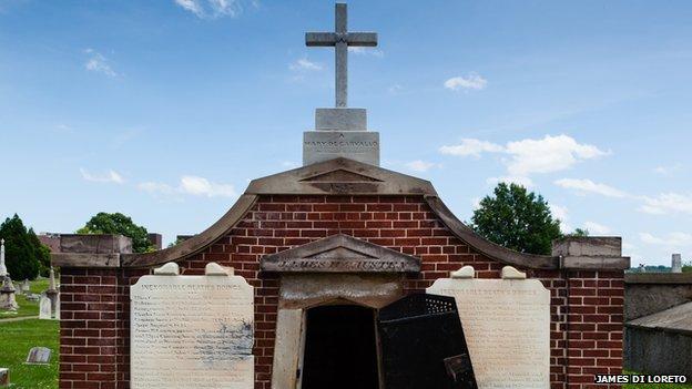 Bóveda de la familia Causten