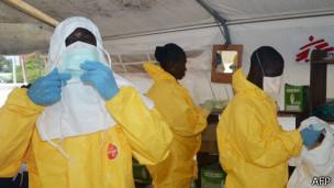L'épidémie d'Ebola se propage actuellement à travers l'Afrique de l'Ouest