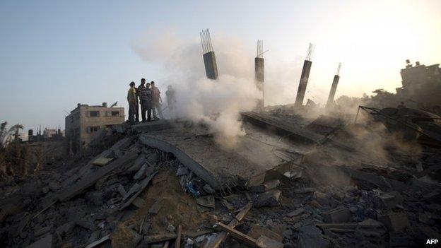 Casa derruida por bombardeo