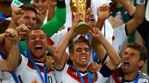 ألمانيا تتوج بطلا لكأس العالم بعد فوزها على الأرجنتين