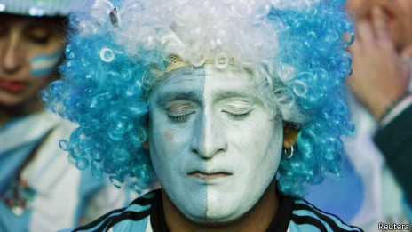 Torcedor argentino lamenta derrota na final da Copa do Mundo | Crédito: Reuters