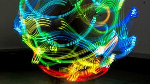 En fotos: cómo es el fantasmagórico mundo del wifi que nos rodea - BBC Mundo - Video y Fotos