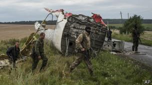 # RUMOR DE GUERRA: Seguimiento vuelo MH17 - Página 2 140719064929_sp_pro_russian_fighters_304x171_ap