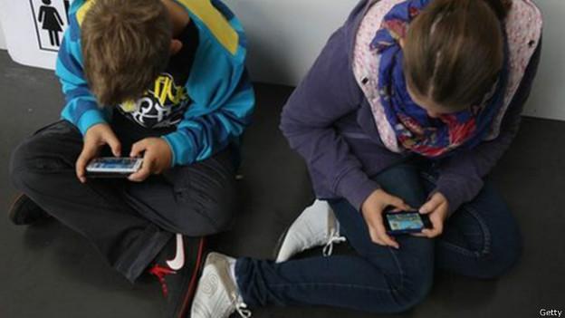 Niños móviles