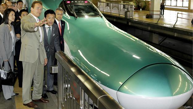 Новый скоростной поезд и Арнольд Шварценеггер