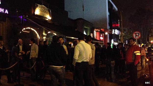 """""""La Zona Rosa"""" en el norte de Bogotá concentra una gran cantidad de bailaderos y bares."""