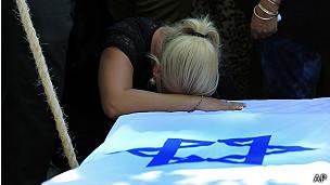 pariente de un soldado israelí fallecido