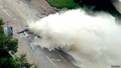 Incendio en el Parque Nacional Yosemite amenaza bosque de secuoyas 140730021645_fuga_464x261_reuters