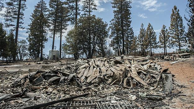 Incendio en el Parque Nacional Yosemite amenaza bosque de secuoyas 140730214152_sp_parque_nacional_yosemite_624x351_ap
