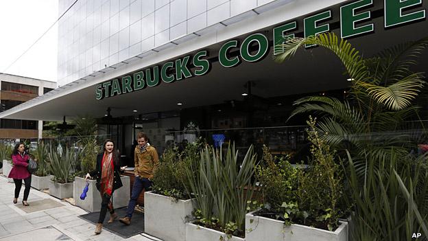 Primera tienda de Starbucks en Colombia