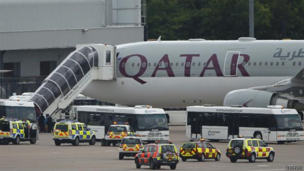 مقاتلات بريطانية ترافق طائرة ركاب قطرية للهبوط في مطار مانشستر
