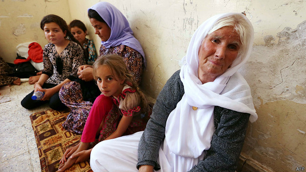 Yazidíes que huyeron de Sinjar hacia Dohuk, en el Kurdistán iraquí