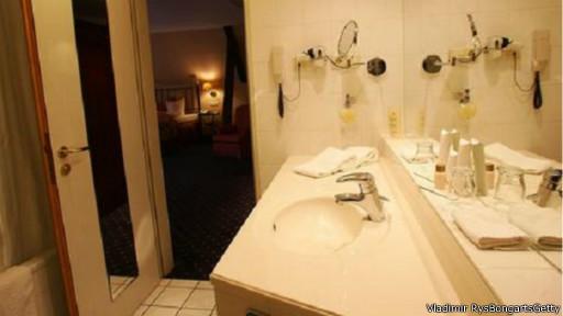 الفنادق 140814135157_hotels_