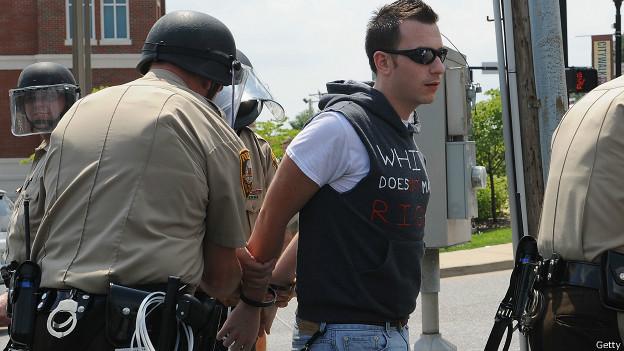 Ferguson, manifestante detenido