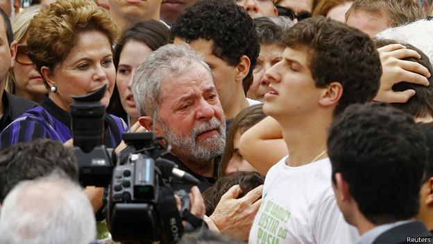Dilma Rousseff y Lula da Silva en el funeral