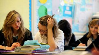 Adolescentes en una escuela