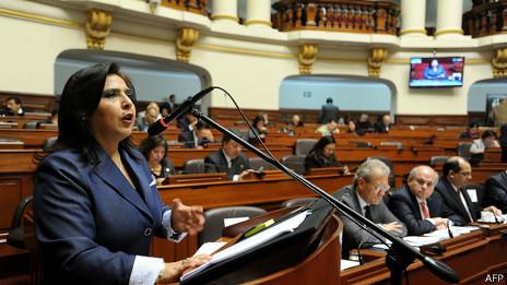 Perú tendrá alto comisionado contra tala ilegal de madera tras crimen de líder nativo
