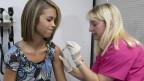 Expertos cuestionan la efectividad y la conveniencia de la vacuna.
