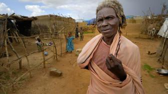 Wakimbizi wanaoishi katika kambi moja huko Darfur wanaelezea masaibu yao miaka 5 tangu watimuliwe makwao.