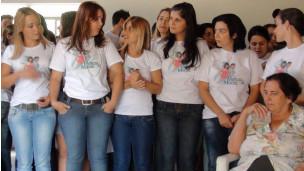 'Cidade de beldades' desmente boato internacional de 'campanha por homens'