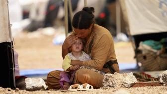 Según la ONU, muchos sirios llevan más de un año huyendo, de pueblo en pueblo.