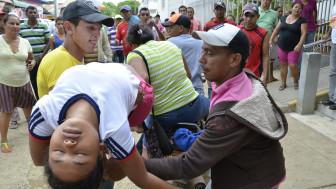 Los desmayos son una de las reacciones que han sufrido 200 niñas de El Carmen de Bolívar.
