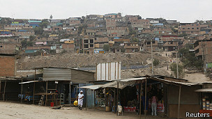 Favela en Lima, Perú