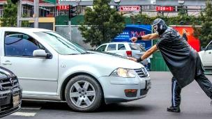 Peatonito, súper héroe de los peatones de México. Foto: página Facebook de Peatónito