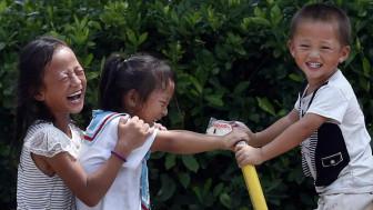 चीन में सात बच्चों वाला एक परिवार