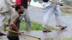 Kantor Pusat TV Pakistan Diserang Demonstran