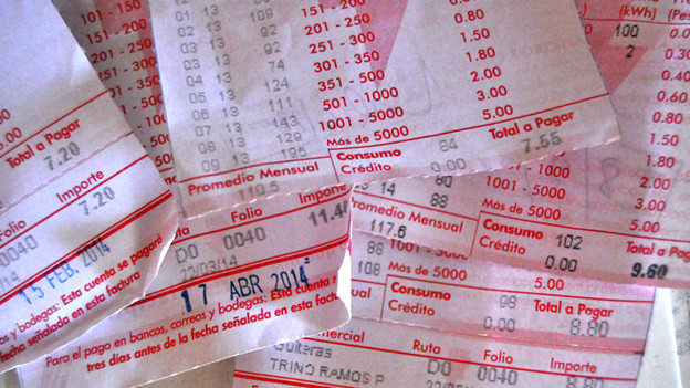 Capitalismo en Cuba, privatizaciones, economía estatal, inversiones de capital internacional. - Página 4 140901164617_factura_624x351_bbcmundo_nocredit