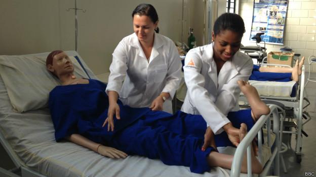 Claudineia Almeida e Paloma Cristina dos Santos (Foto BBC)
