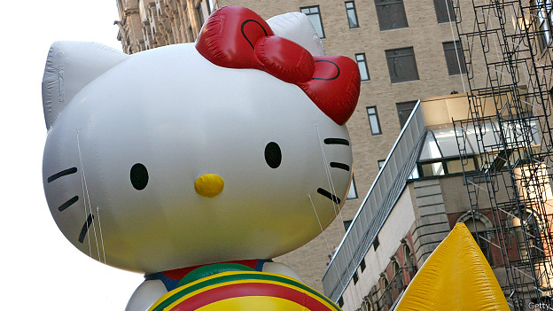 http://a.files.bbci.co.uk/worldservice/live/assets/images/2014/09/03/140903135139_hello_kitty_new_york_macy_parade_624x351_getty.jpg