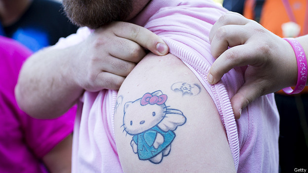 http://a.files.bbci.co.uk/worldservice/live/assets/images/2014/09/03/140903140200_hello_kitty_tatoo_624x351_getty.jpg