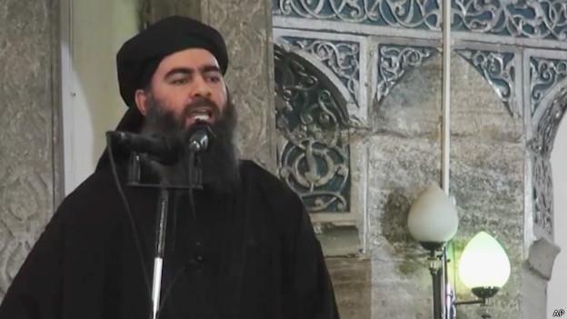 Abu Bakr al Baghdadi, líder de Estado Islámico (imagen de un video publicado por Estado Islámico el 5 de julio de 2014)