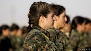 Женщины-бойцы курдского полочения на севере Сирии