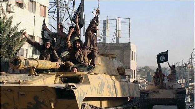 Estados Unidos começam ataques aéreos contra 'EI' na Síria