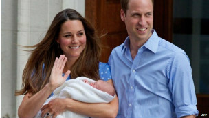 Kate y William con su hijo