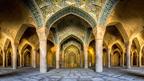 El color y la simetría inspiran a Mohammad Domiri.