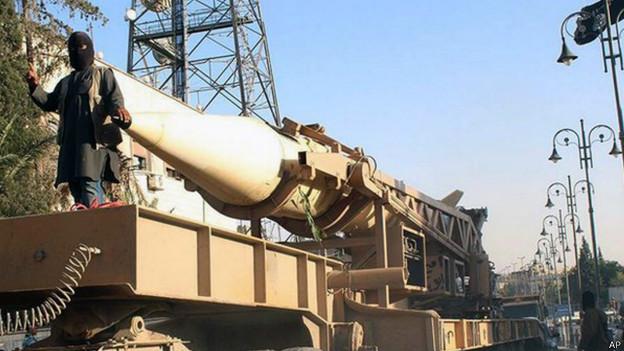 Armamento em poder do Estado Islâmico (foto: AP)