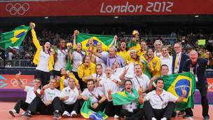 Seleção brasileira feminina comemora ouro em Londres-2012 / Crédito: Getty