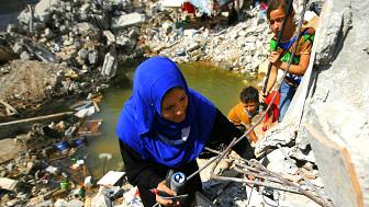 Algunos de los 80.000 residentes de Shejaiya huyeron, el resto vive entre ruinas