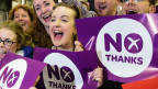 مؤيدو حملة لا في اسكتلندا يحتفلون بنتيجة الاستفتاء