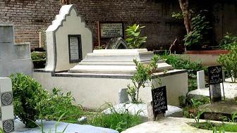 दिल्ली के कब्रिस्तान