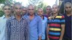 Moradores do vilarejo de Dakachya | Foto: BBC