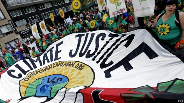 Manifestação por ação contra mudanças climáticas em Nova York | Foto: EPA
