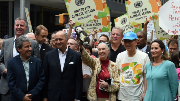 Ban Ki-moon, Jane Goodall, Al Gore e Segolene Royal em manifestação em Nova York   Foto: AFP