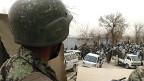 Tres soldados afganos