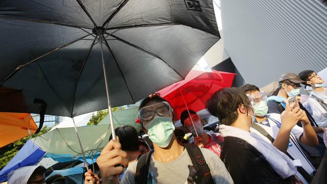 Por qué el paraguas se convirtió en símbolo de las protestas en Hong Kong