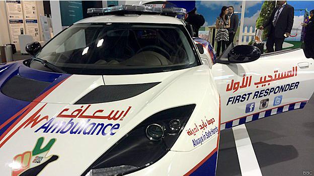 Lotus Evora modificado para funcionar como ambulancia